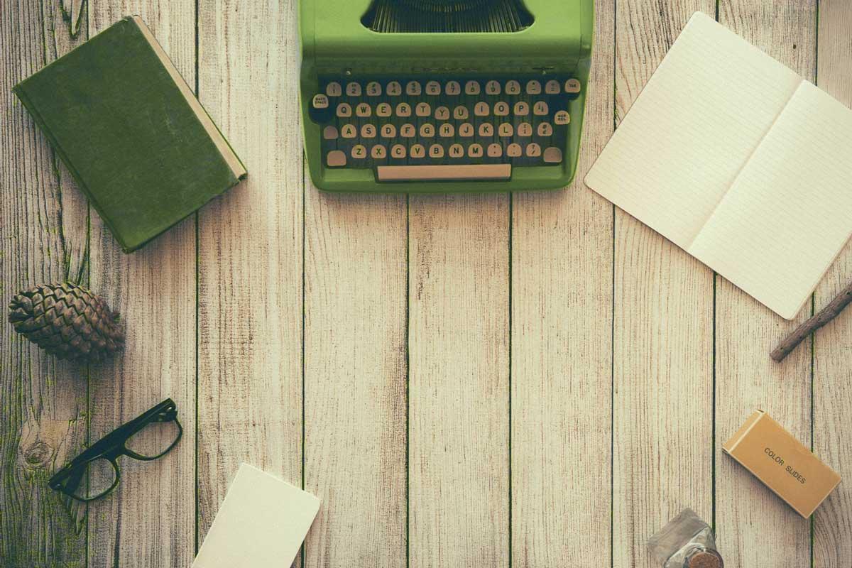 Schreibtisch Schreibmaschine Texten Schreiben lernen